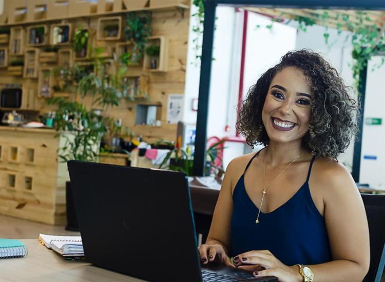 Há cerca de 4 anos, Luciana Amâncio largou emprego CLT para investir como empreendedora | Foto: Jéssica Silva | Divulgação - Foto: Jéssica Silva | Divulgação