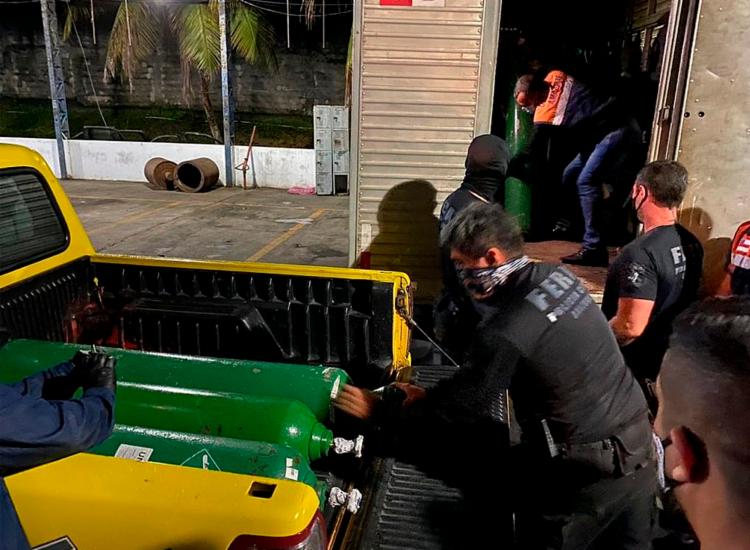 Cilindros estavam sendo retirados para veículos particulares | Foto: Divulgação | SSP-AM - Foto: Divulgação | SSP-AM