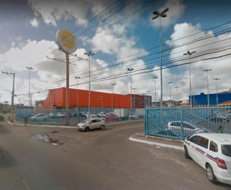 A colisão ocorreu em trecho da avenida Jequitaia, próximo de um mercado que fica na região | Foto: Reprodução | Google Maps - Foto: Reprodução | Google Maps