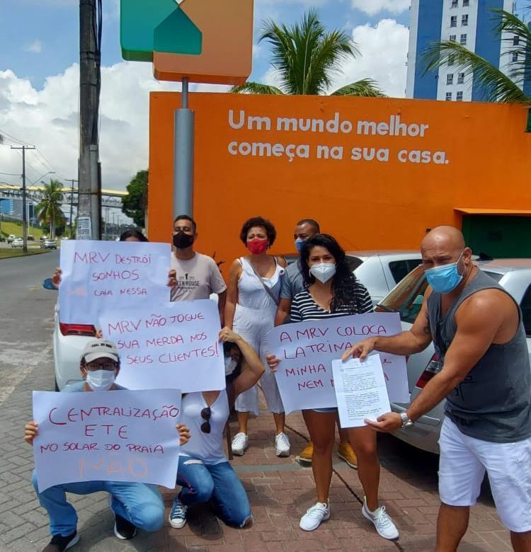 Manifestantes pretendem entrar com uma ação judicial e parar as obras   Foto: Cidadão Repórter   via Whatsapp - Foto: Cidadão Repórter   via Whatsapp