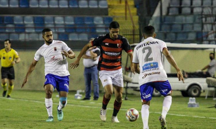 Tricolor cria melhores chances, mas perde para lanterna por 1 a 0 | Foto: Guilherme Drovas | Oeste FC - Foto: Guilherme Drovas | Oeste FC
