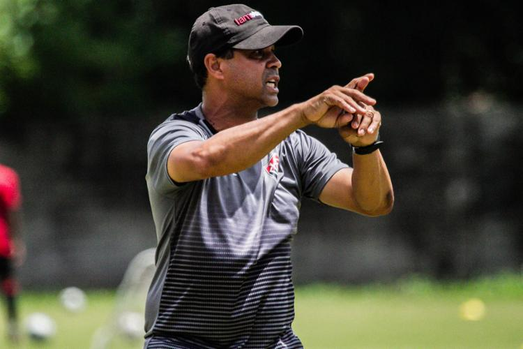 O técnico Rodrigo Chagas promoveu alterações durante atividade nesta quinta-feira, 7   Foto: Letícia Martins   ECVitória - Foto: Letícia Martins   ECVitória