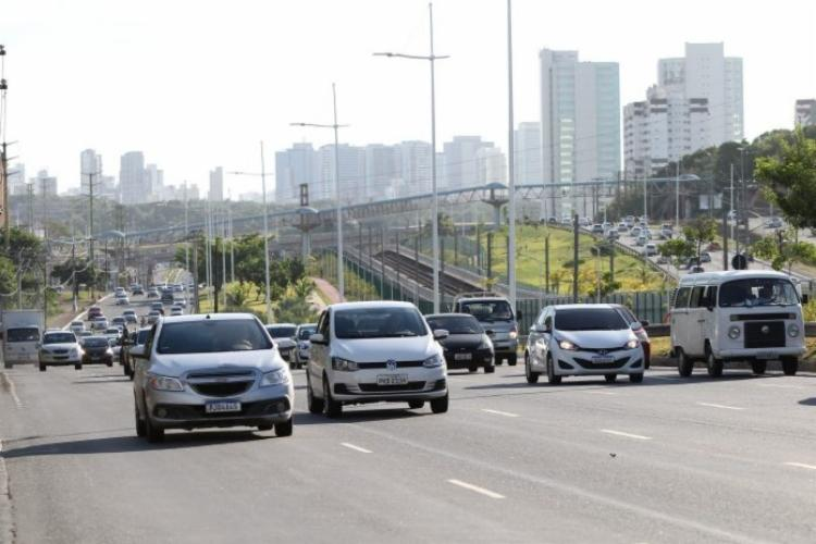 No entanto, para os veículos adquiridos antes de 2021, o certificado de registro (CRV), antigo DUT, emitido em papel-moeda, continua válido | Foto: Paula Fróes | Divulgação | GOVBA - Foto: Paula Fróes | Divulgação | GOVBA