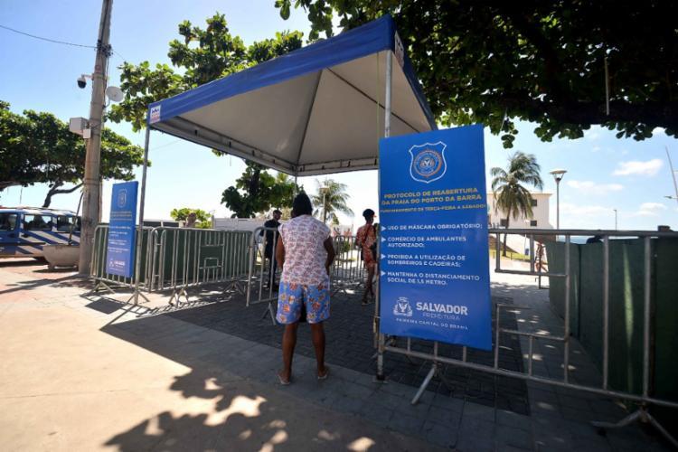 Nas vésperas de virada de ano, diversas localidades da capital baiana tiveram restrições de circulação de veículos e pedestres | Foto: Jefferson Peixoto | Secom - Foto: Jefferson Peixoto | Secom