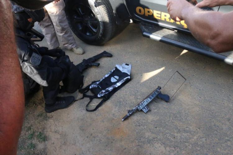 Armas e materiais apreendidos após a operação | Foto: Divulgação | SSP-BA