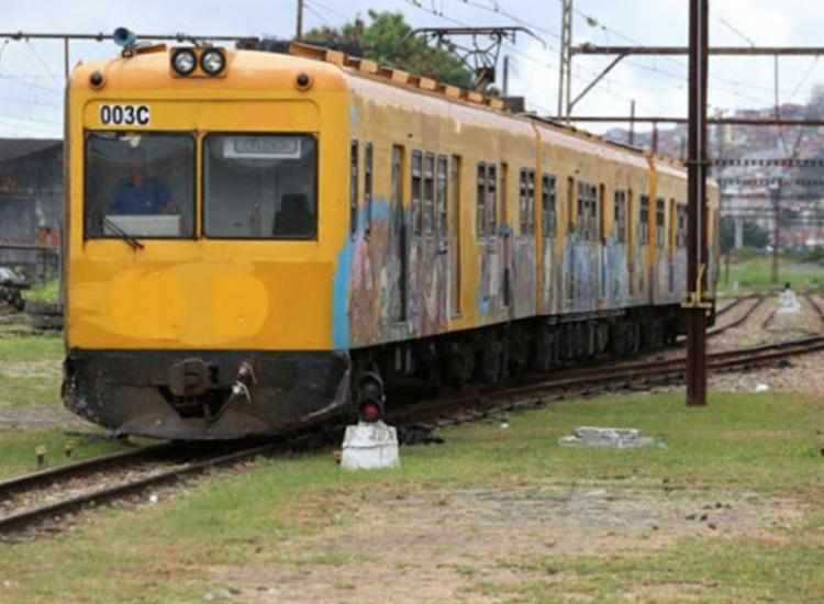 Valor atual para utilizar os trens é de R$ 0,50 | Foto: Adilton Venegeroles | Ag. A TARDE - Foto: Adilton Venegeroles | Ag. A TARDE