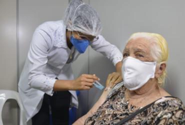 Bahia tem queda de 47,5% nas mortes por covid a partir dos 80 anos | Shirley Stolze | Ag. A TARDE