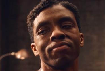 Astro de Pantera Negra recebe indicação póstuma no Globo de Ouro 2021 | Divulgação | Netflix