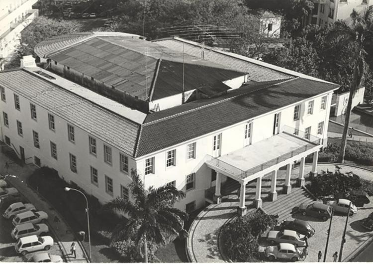 Ufba, cuja reitoria fica no bairro do Canela, mantém tradição do foco em ensino, pesquisa e extensão com excelência - Foto: 26.07.1979. Foto: Cedoc A TARDE