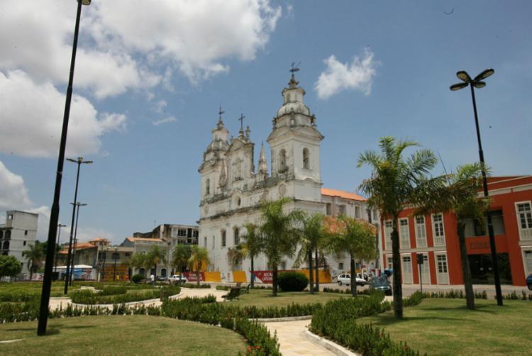 Catedral de Belém está distante da cidade violenta que o autor descortina na obra   Foto: Carlos Casaes   Ag. A TARDE   23.09.2006 - Foto: Carlos Casaes   Ag. A TARDE   23.09.2006