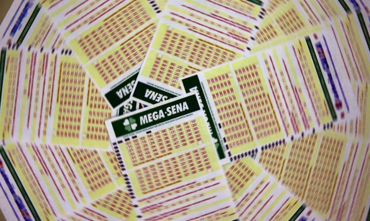 Valor da aposta simples, com seis dezenas marcadas, custa R$ 4,50   Foto: Marcello Casal Jr   Agência Brasil - Foto: Marcello Casal Jr   Agência Brasil