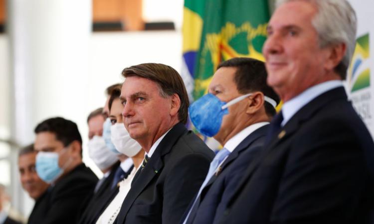 Bolsonaro disse que está conversando sobre o assunto com ministros   Foto: Alan Santos   PR - Foto: Alan Santos   PR