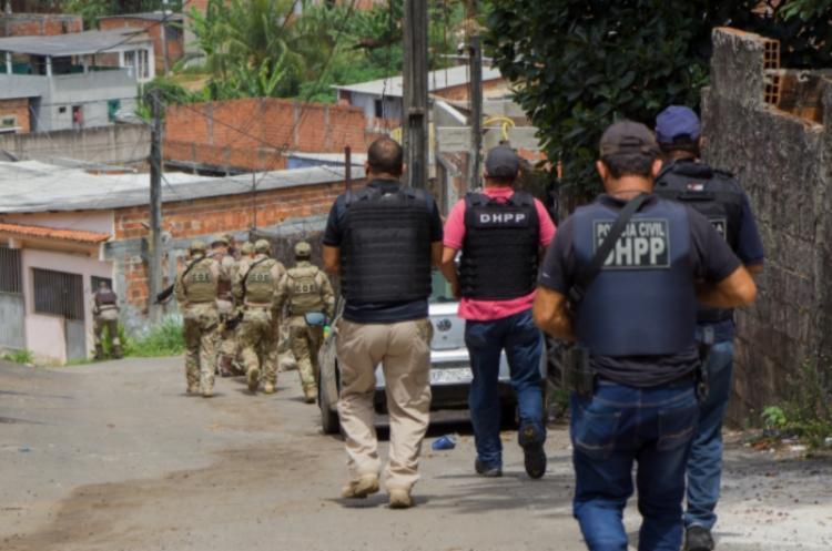 Armas, drogas e balanças de precisão foram apreendidas | Foto: Haeckel Dias | Polícia Civil - Foto: Haeckel Dias | Polícia Civil