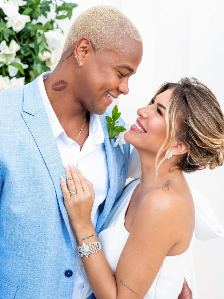 Casamento civil aconteceu na residência dos artistas - Foto: Divulgação