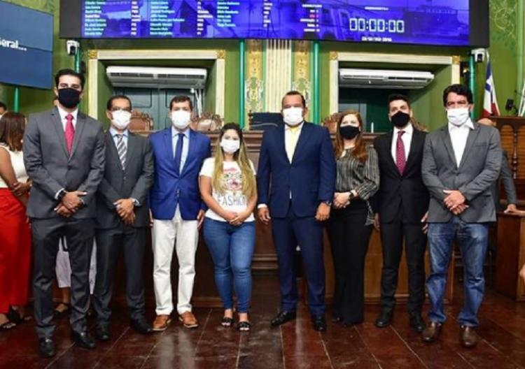 A reunião no Plenário Cosme de Farias foi conduzida pelo presidente da Casa, vereador Geraldo Júnior - Foto: Reginaldo Ipê / CMS
