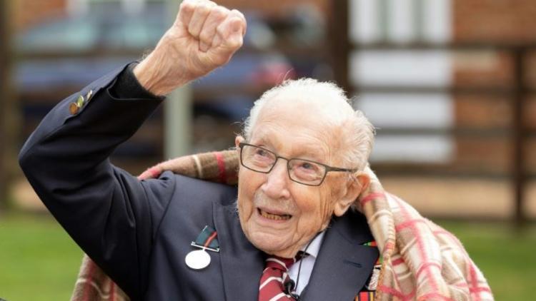 O falecimento de Moore provocou uma onda de homenagens, assim como aconteceu em seus 100 anos   Foto: Emma Sohl   AFP - Foto: Arquivo   AFP