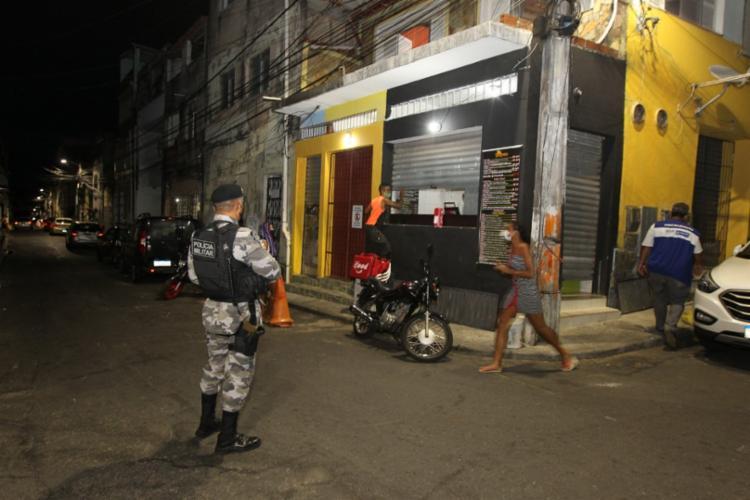 A fiscalização para o fechamento dos estabelecimentos contou com o apoio da Polícia Militar | Foto: Fernando Vivas | GOV-BA - Foto: Fernando Vivas | GOV-BA