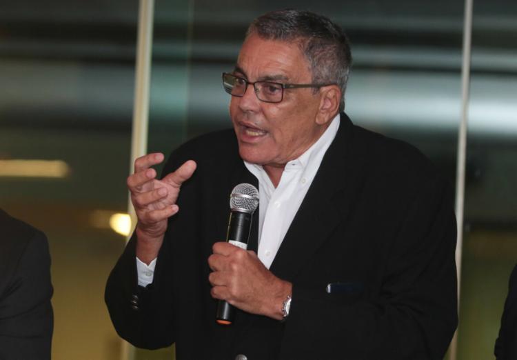 Carneiro ainda perdeu o apoio do ex-vice-presidente Manoel Matos, um dos pilares na base aliada que o ajudou na eleição | Foto: Tiago Caldas | EC Vitória - Foto: Tiago Caldas | EC Vitória