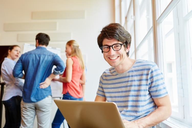 A capacitação é para jovens que querem montar novos negócios aliando-se à tecnologia. - Foto: Divulgação