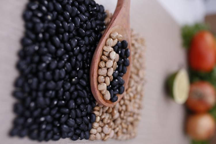 Pesquisas do do IBGE indicam que o feijão é o segundo alimento mais consumido per capita no Brasil | Foto: Olga Leiria | Ag. A TARDE