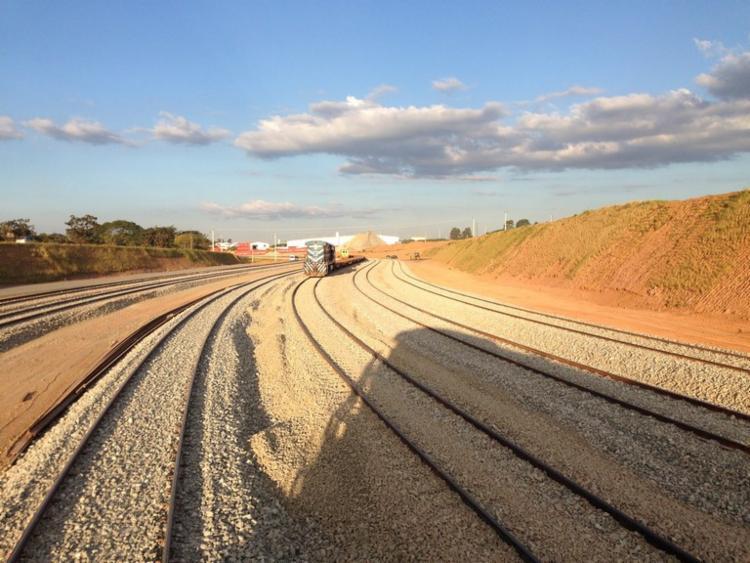 Revitalização da Ferrovia Centro-Atlântica (FCA) é fundamental para reduzir os custos de transporte da empresa e viabilizar novos investimentos | Foto: Divulgação - Foto: Divulgação