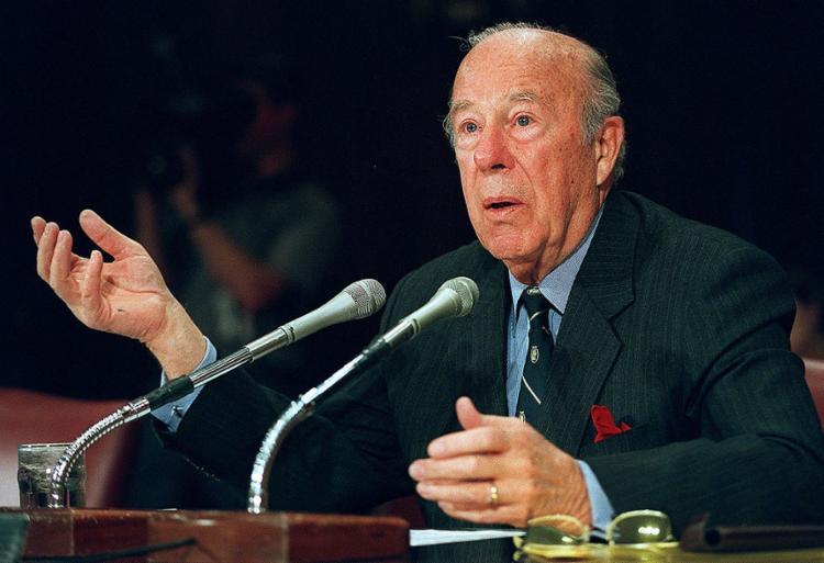 Shultz foi considerado um dos maiores estrategistas da diplomacia dos Estados Unidos e serviu a três presidentes | Foto: Mario Tama | AFP - Foto: Mario Tama | AFP