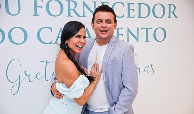 Marido da artista, Esdras de Souza também participa do serviço   Foto: Divulgação   Carol Marques - Foto: Divulgação   Carol Marques