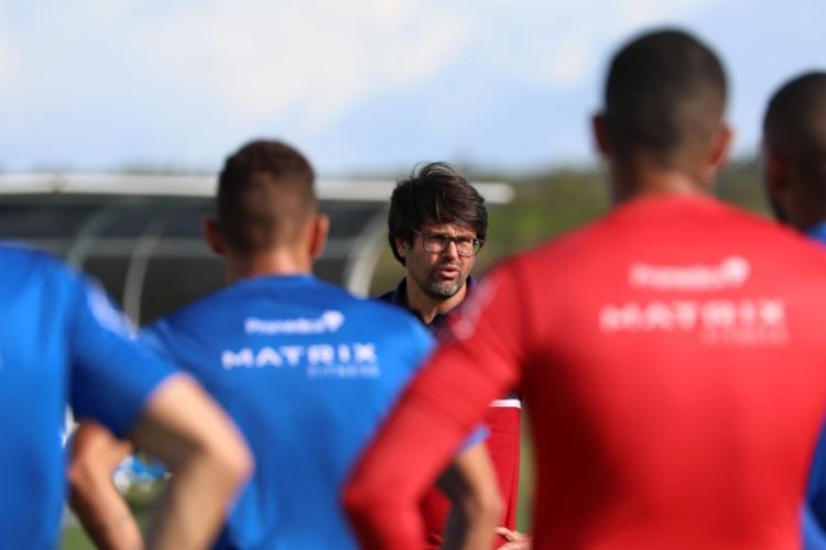 Presidente do clube, Guilherme Bellintani conversa com jogadores | Foto: Felipe Oliveira | EC Bahia - Foto: Felipe Oliveira | EC Bahia