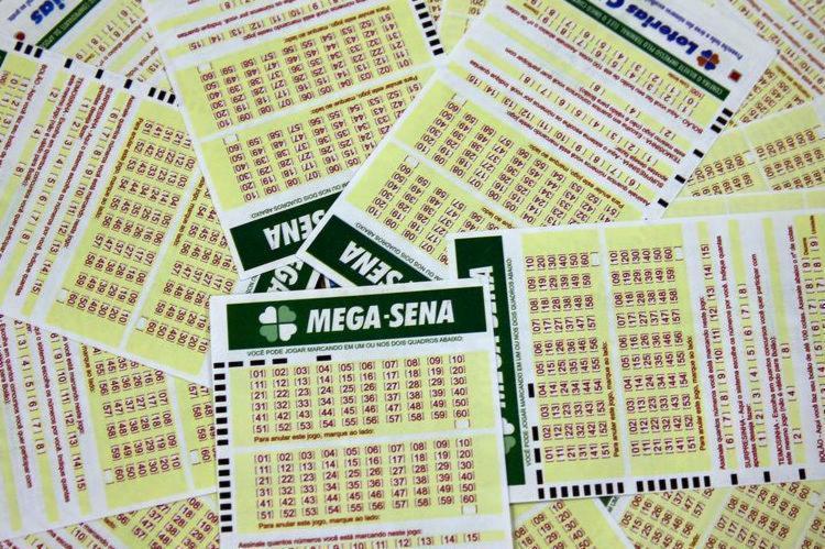 As apostas podem ser feitas até as 19h (horário de Brasília), nas casas lotéricas ou pela internet | Foto: Marcelo Casal Jr | Agência Brasil - Foto: Marcelo Casal Jr | Agência Brasil
