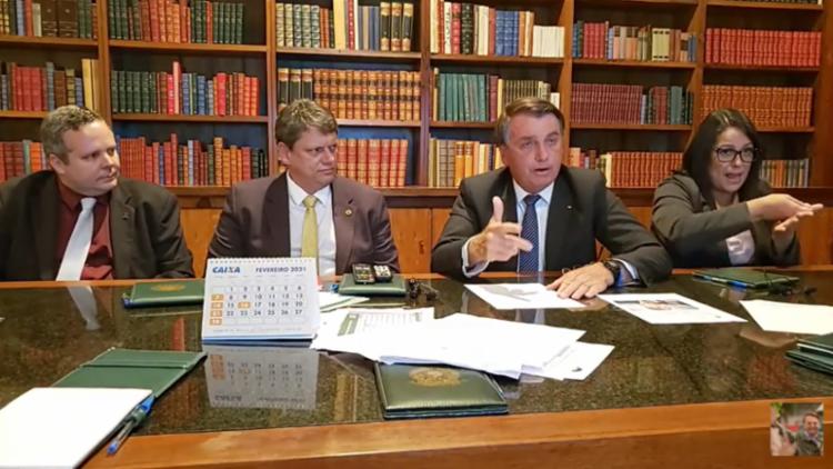 """Bolsonaro considerou o último reajuste de preço da Petrobras como sendo """"fora da curva"""" - Foto: Reprodução"""