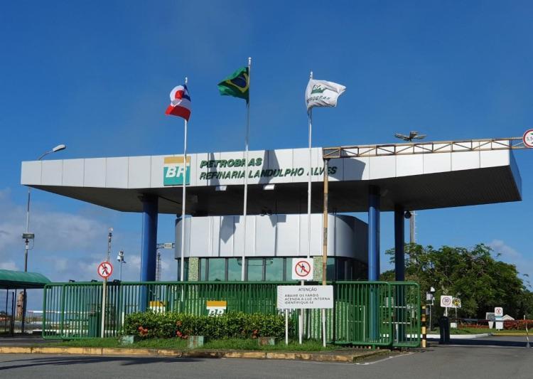 Principal queixa dos petroleiros é a venda da Refinaria Landulpho Alves - Foto: Divulgação