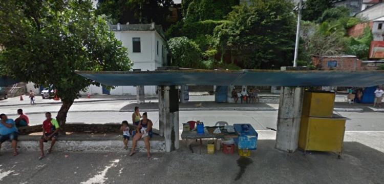 Nova parada de ônibus agora ficará em frente ao módulo policial - Foto: Divulgação