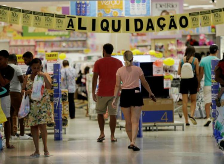 Segundo Fecomércio-BA, o comércio baiano deve deixar de faturar R$620 milhões nos 11 feriados previstos para o ano, na Bahia | Foto: Adilton Venegeroles | Ag. A TARDE - Foto: Adilton Venegeroles | Ag. A TARDE