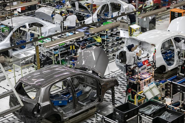 No Brasil, carga tributária é de 44% sobre preço do automóvel | Foto: Divulgação - Foto: Divulgação