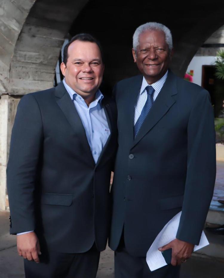 O presidente reeleito da Cãmara, vereador Geraldo Júnior (MDB), tem Edvaldo Brito como principal conselheiro - Foto: Divulgação