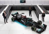 Mercedes apresenta com Hamilton novo carro para a temporada 2021 da F1 | Foto: