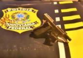Homem é preso com arma em carro alugado na BR-101 | Divulgação | PRF