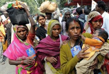 A Trança, livro de Laetitia Colombani, retrata a luta de três mulheres com destinos enlaçados | Prakash Singh | AFP