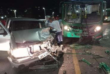 Acidente entre caminhonete e ônibus deixa uma pessoa ferida em Nazaré | Reprodução | Leitor A TARDE
