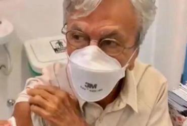Caetano Veloso é vacinado contra a Covid-19 no Rio de Janeiro | Reprodução | Redes Sociais