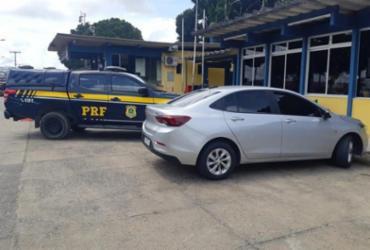 Carro roubado no Rio de Janeiro é encontrado em Eunápolis