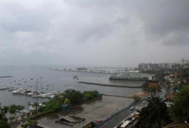 Salvador tem manhã chuvosa e trechos de alagamento | Rafael Martins | Ag. A TARDE