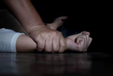 Suspeito é preso após se passar por motorista de aplicativo e estuprar mulher