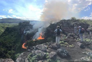 Força Tarefa tenta combater incêndio em localidade de Lençois na Chapada Diamantina   Divulgação