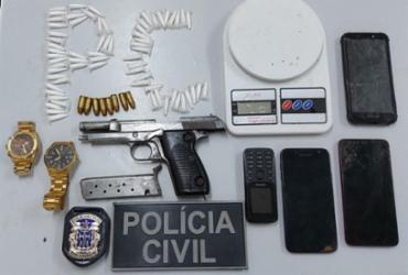 Homem é preso com drogas e arma de fabricação italiana em Ipiaú