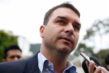 Documentos revelam contradição no pagamento de imóvel de Flávio Bolsonaro | Tânia Rêgo | Agência Brasil