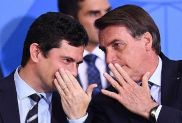 Bolsonaro leva um pito e recua. E Moro, o mocinho que virou vilão | Evaristo Sa | AFP