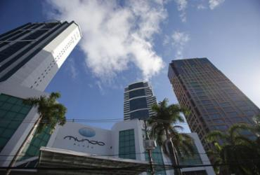 Salas em prédio comercial de luxo em Salvador são interditadas por descumprirem decreto | Raul Spinassé | Ag. A TARDE | 17.1.2019