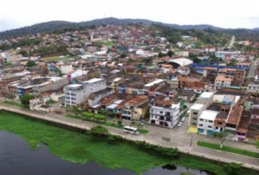 Comerciantes de Ubaitaba interditam BR-101 em protesto às medidas de contenção à pandemia