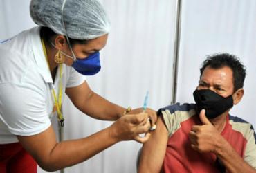 Salvador prossegue com vacinação contra Covid com 1ª, 2ª e 3ª doses neste domingo | Felipe Iruatã | Ag. A TARDE